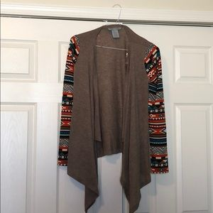 Cardigan with colorful sleeves